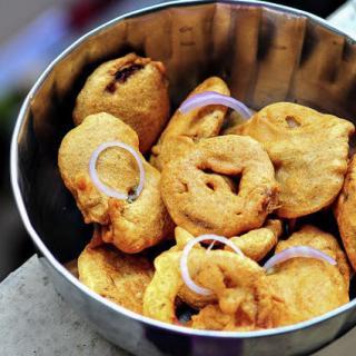 Vengaya Bajji-Onion Bajji-Ulli Bajji Recipe