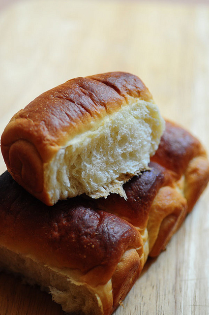 Hokkaido Milk Bread - Soft Bread Recipe (Tangzhong Method)