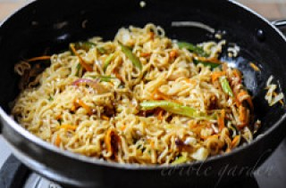 Vegetable Noodles Recipe - Indian Chinese Veg Noodles Recipe