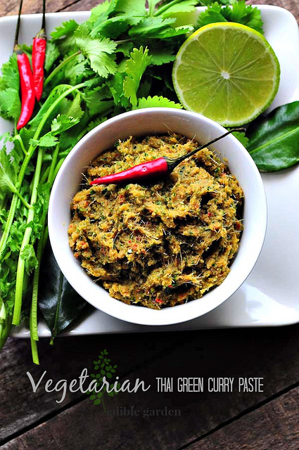 vegetarian thai green curry paste-thai green chilli paste