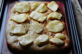 focaccia caprese-how to make focaccia bread-12