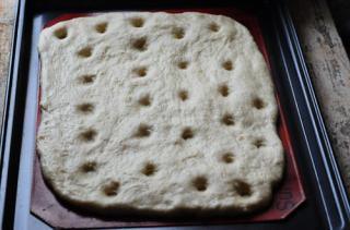 focaccia caprese-how to make focaccia bread-9