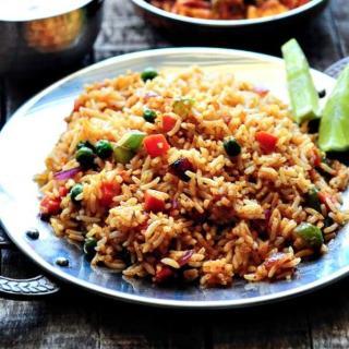 Tawa Pulao Recipe – How to Make Tawa Pulao (Pav Bhaji Masala Pulao)