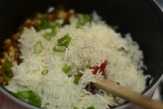 how to make indian mushroom fried rice recipe-6