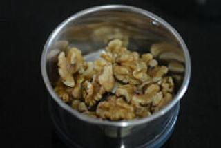 how to make walnut basil pesto recipe
