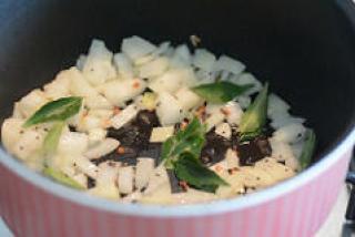 capsicum besan sabji, capsicum zunka recipe-3