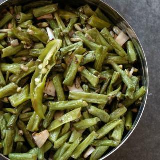 achinga-payar-mezhukkupuratti-recipe