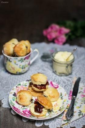 scones mit clotted cream
