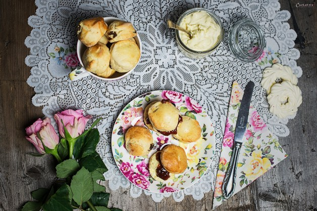 scones mit clotted cream
