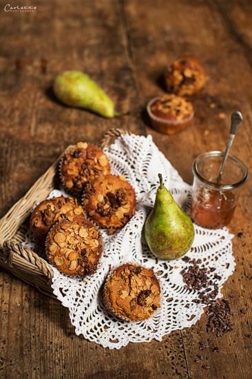 Schokoladige Low Carb Muffins mit knusprigem Low Carb Müsli