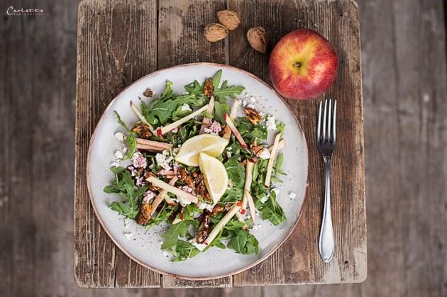 Apfel Walnuss Salat mit Barrique Dressing