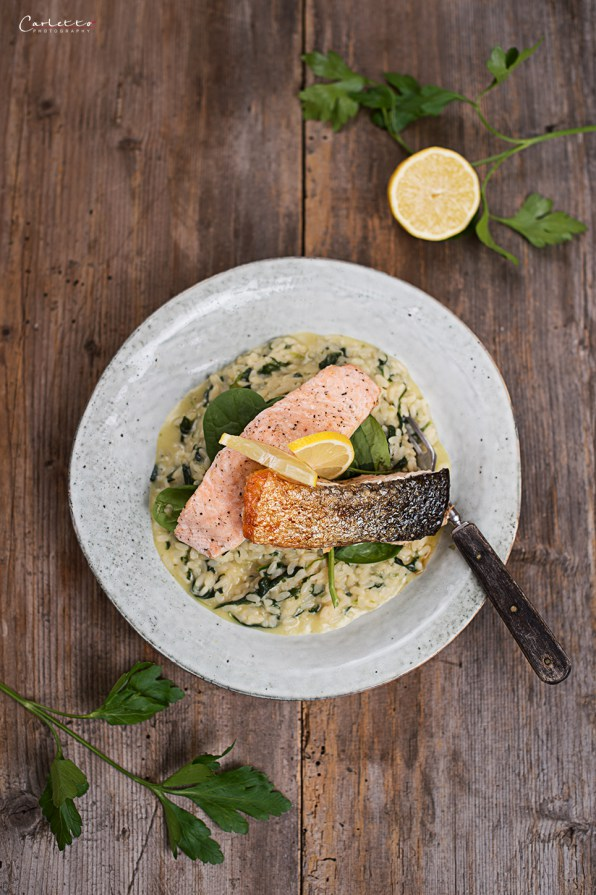 Leaf Spinach Risotto with crispy Salmon Filets