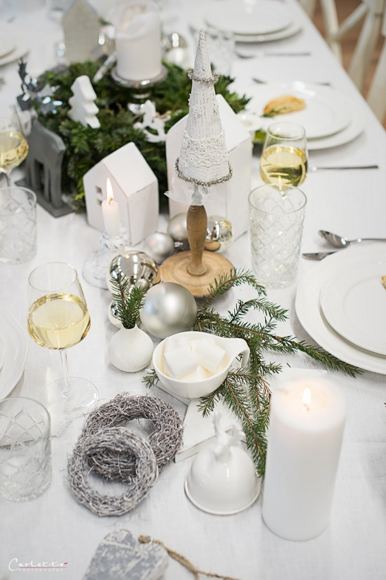 festive decorated christmas table