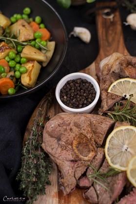 Lammkeulen Steak mit Tee-Gemüse