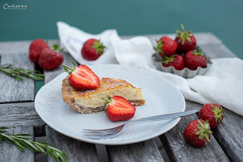 Vanilletarte vom Grill mit Erdbeeren_6982
