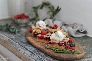 Beeren Crumble Kuchen