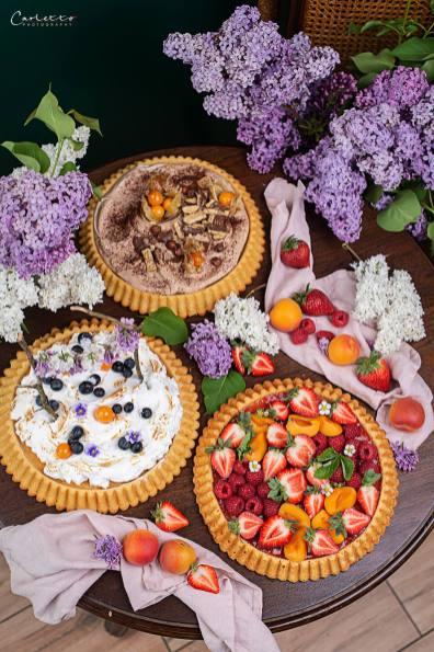 Kuchenböden dreierlei kreativ belegt