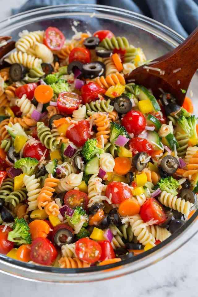 Easy Pasta Salad with fresh Veggies