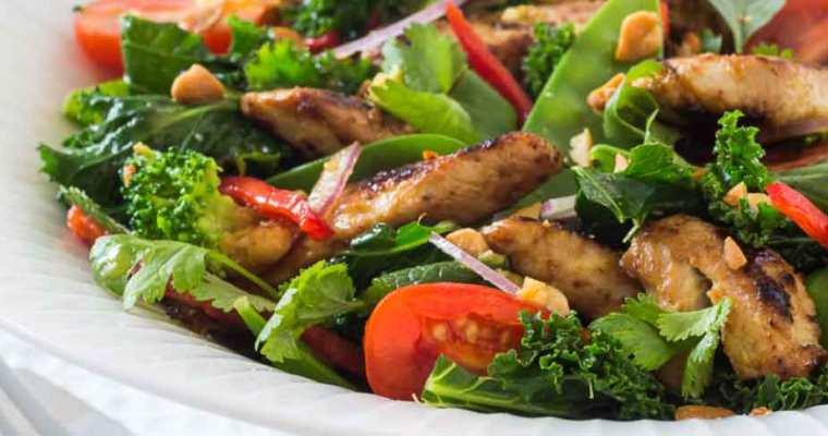 Thai-salat med marineret kalkun