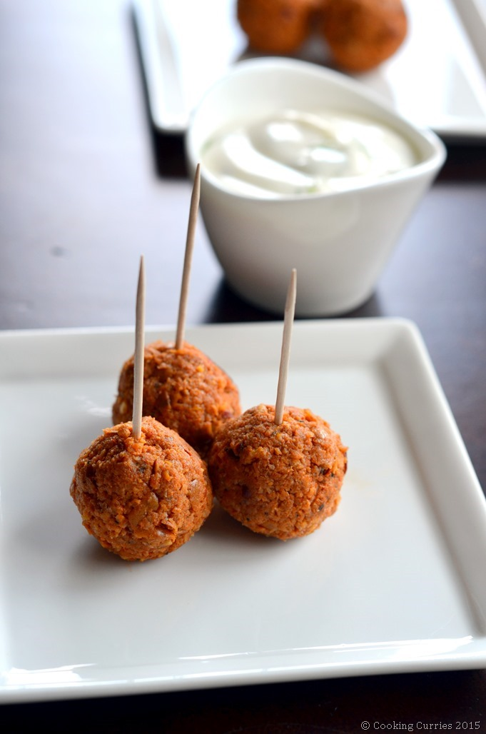 Red Curry Chicken Sausage Meatballs with Dill Sour Cream Dipping Sauce - Cooking Curries - Supoerbowl Game Day Snacks (2)