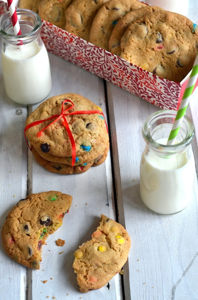 Chocolate Chip MnM Cookies - Christmas Cookies, Holiday Cookies - Cooking Curries (4)