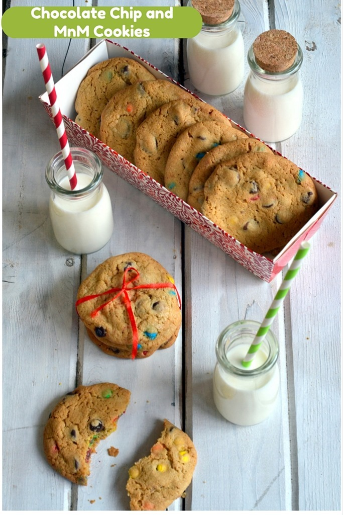 Chocolate Chip MnM Cookies - Christmas Cookies, Holiday Cookies - Cooking Curries