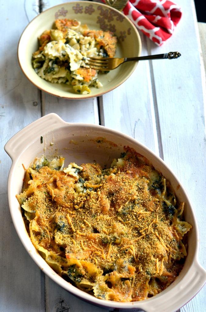 Spinach Broccoli Pasta Casserole - A delicious weeknight dinner recipe - Vegetarian Pasta Recipe