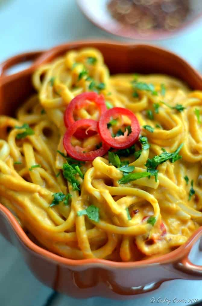 Spicy and Creamy Pumpkin Linguine - A Fall Recipe - www.cookingcurries.com (4)