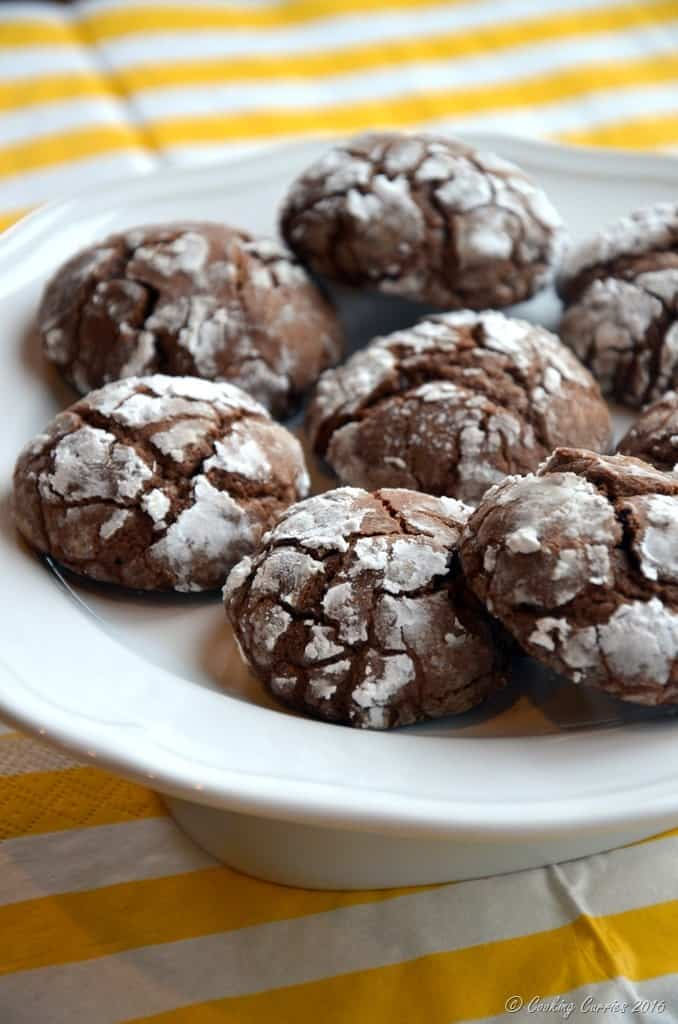 Chocolate Crackle Cookies - Christmas Cookies - Holiday Baking - www.cookingcurries.com (3)