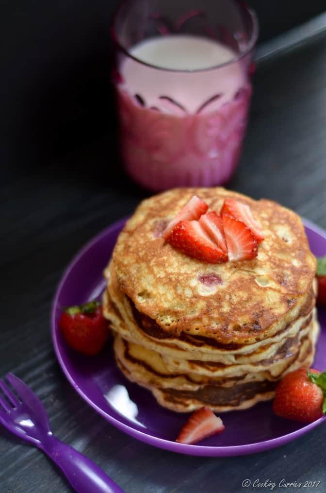 Strawberry Banana Pancakes (3 of 5)