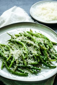 Garlic Parmesan Baked Green Beans