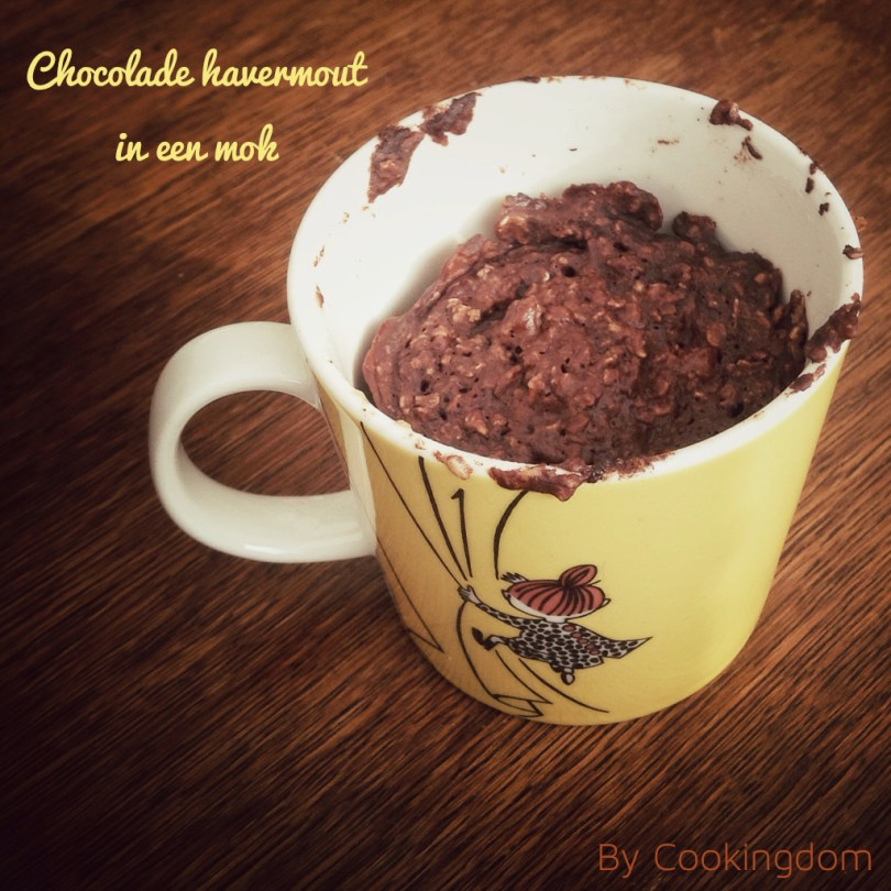 Chocolade havermout in een mok