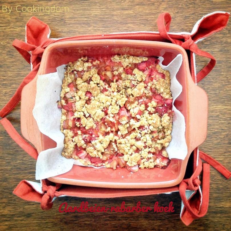 Aardbeien-rabarber koek by Cookingdom