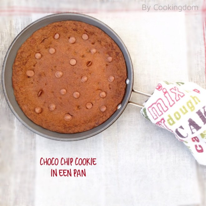 Choco chip cookie in een pan By Cookingdom