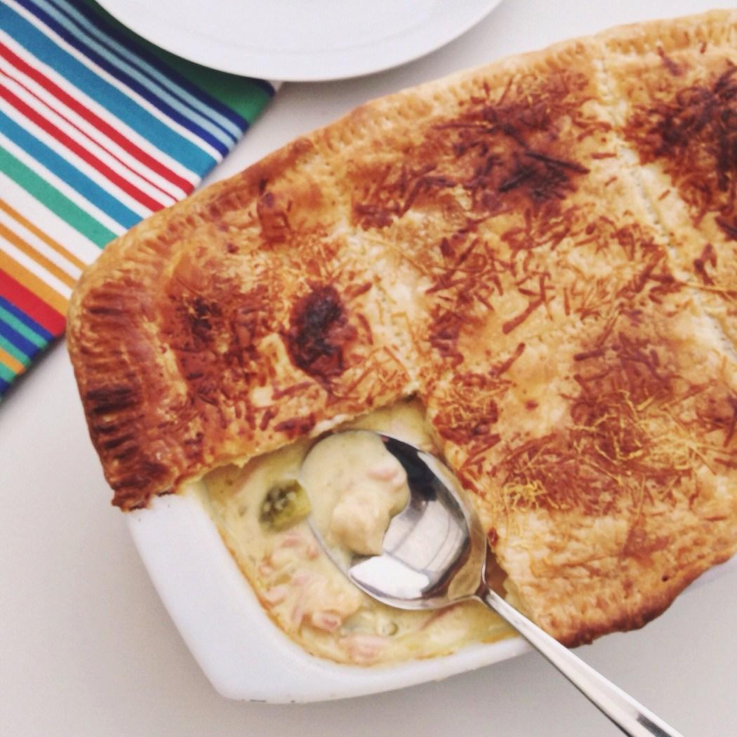 Hartige taart met kip, ham en spruitjes, by Cookingdom