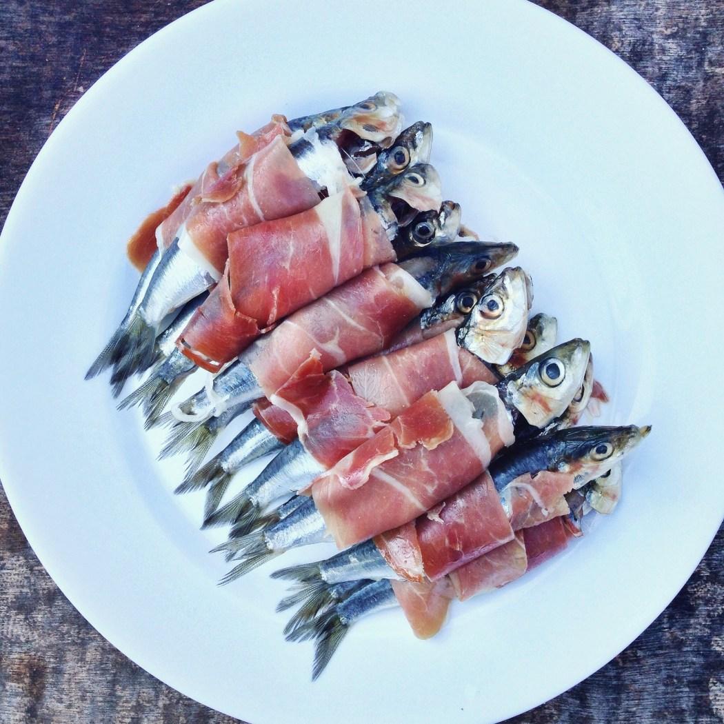 Gegrilde sardines met serannoham, by Cookingdom