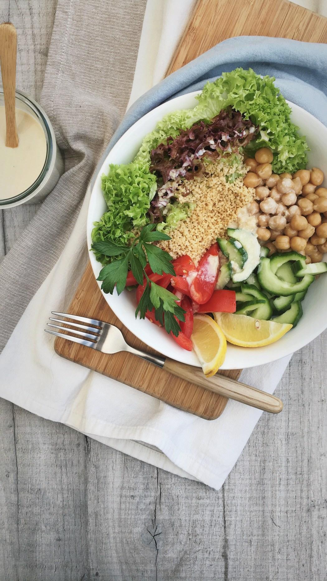 Volkoren couscous bowl met tahin saus