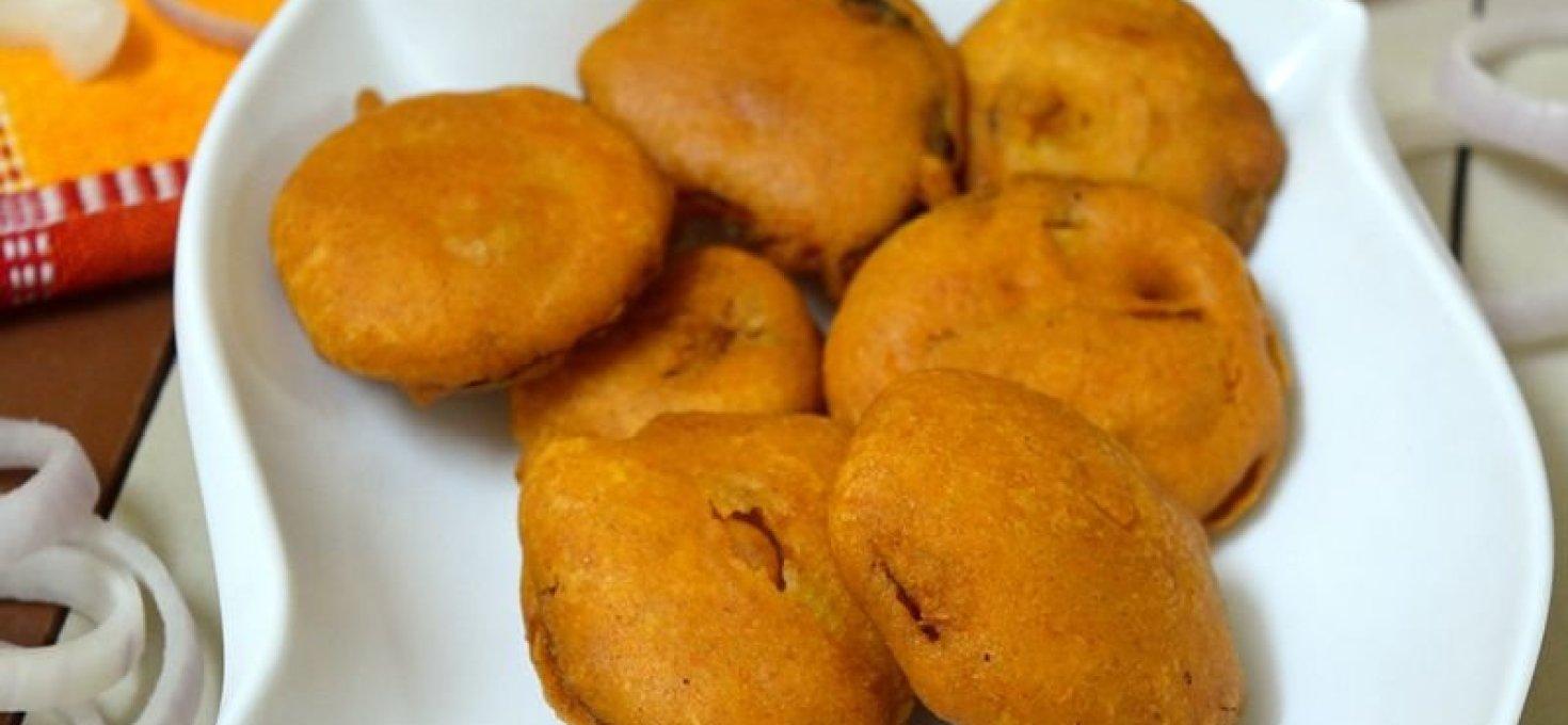 Onion Bajji | Onion Fritters