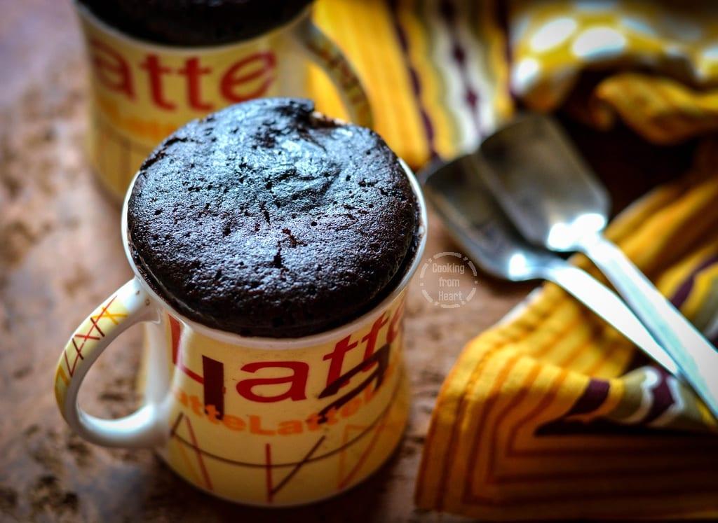 eggless-2-min-choco-mug-cake-4