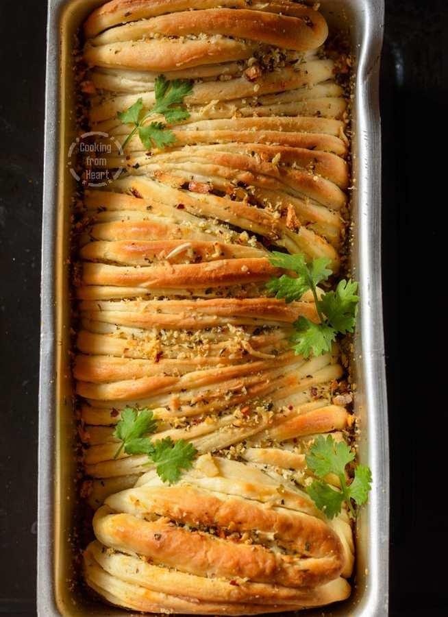 Cheesy Butterflake Herb Loaf   Cheesy Garlic Pull-Apart Bread