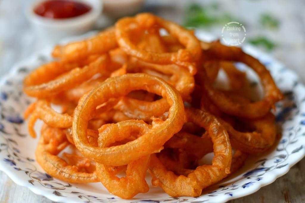Golden Onion Rings | Crispy Fried Onion Rings