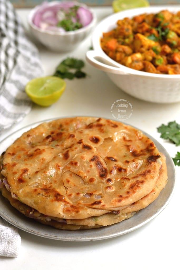 Laccha Cheese Naan