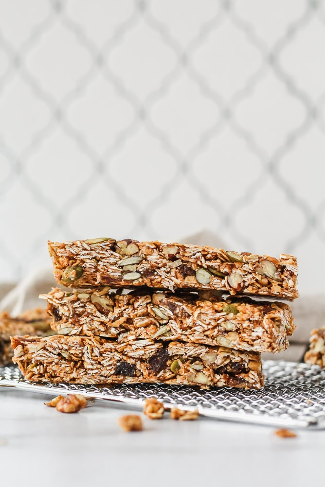 Cinnamon Spiced Granola Bars | cookinginmygenes.com
