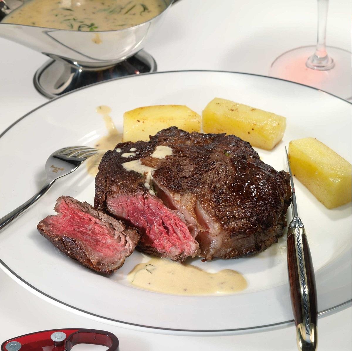 Beef steak with white port wine sauce