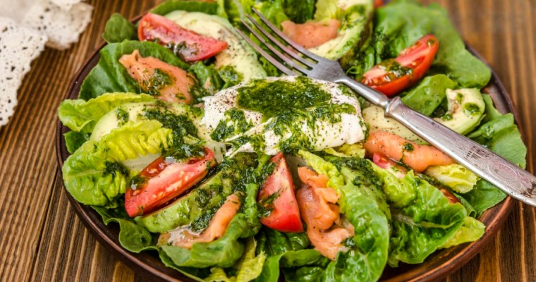 Roman salad with avocado, salted salmon and egg