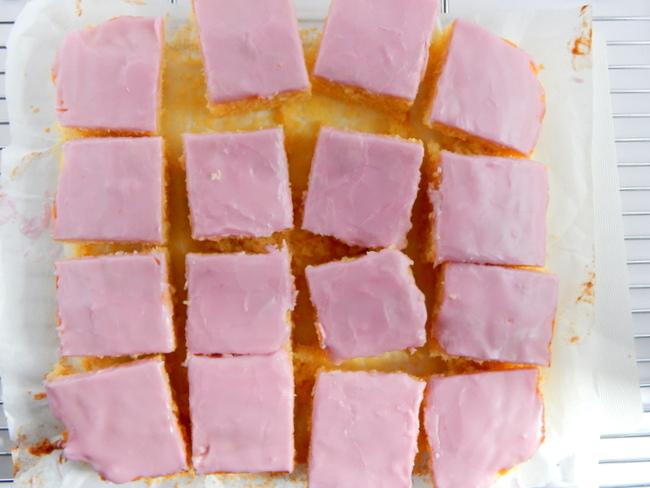 Tottenham Tray Cake