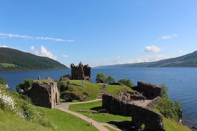 Urquhart_Castle