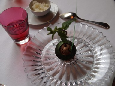 'Grand Cru' chocolate sphere with a Mojito infusion