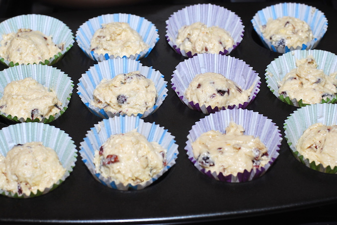 muffins with dried fruits and nuts00005
