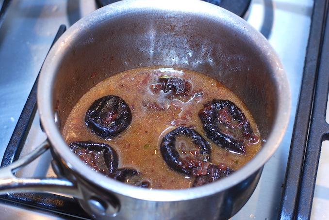 pork tenderloin with prune sauce00008
